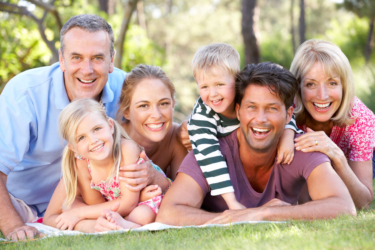 Caselle Dental, LLC | Smiling Family